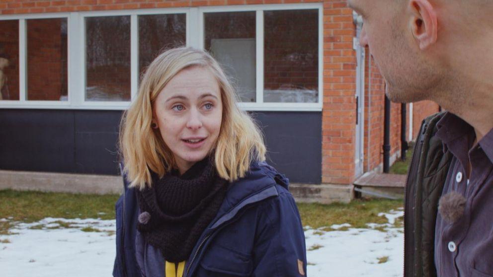 Psykologen Mia Jörgensen jobbar på ett ungdomshem för killar som gjort sig skyldiga till sexualbrott.