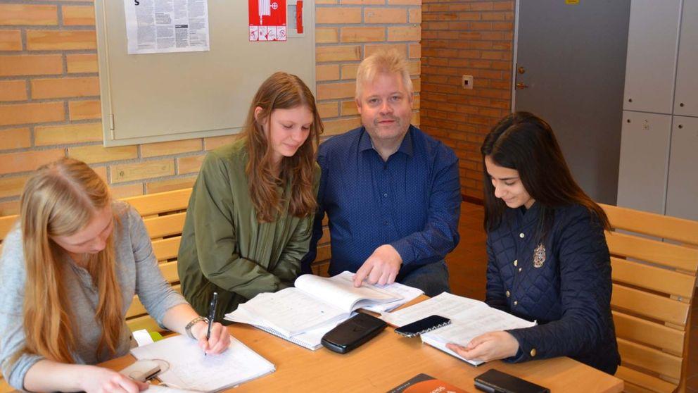 Fredrik Lindmark som driver en Youtube-kanal med undervisningsfilmer