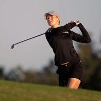 Jenny Haglund har genomfört en golfsving