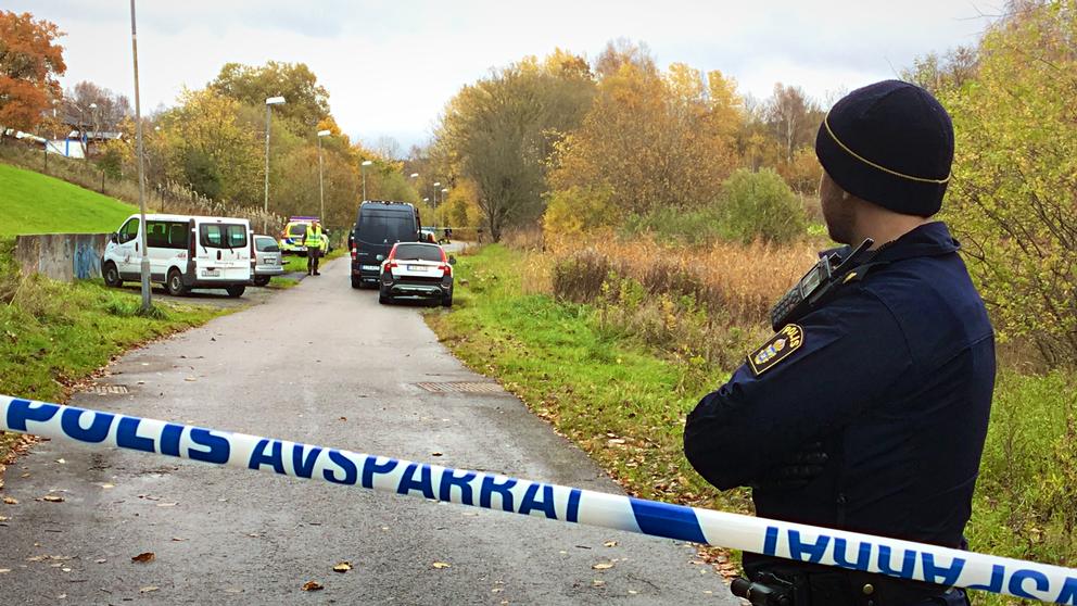 Kroppen hittades i ett dike i närheten av Lärjeån.
