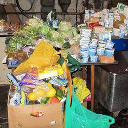 På flera ställen fanns drivor med utgången mat som de som tiggde råddes att äta för att inte göra av med pengar.