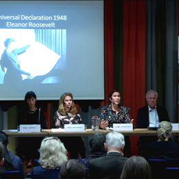 Panel diskuterar mänskliga rättigheter.