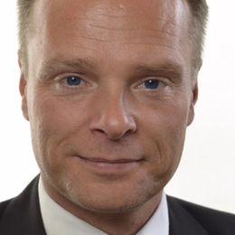 Riksdagsledamot i utbildningsutskottet och skolpolitisk talesperson (SD)