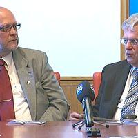 Norrbottens nuvarande landshövding Sven-Erik Österberg och den förre landshövdingen Per Ola Eriksson går samman