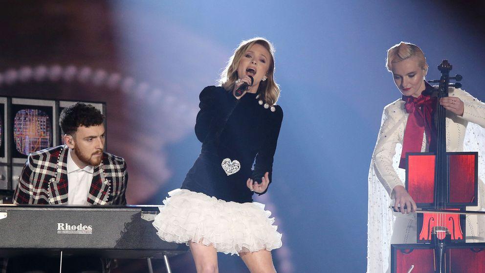 Sångerskan Zara Larsson uppträder på MTV European Music Awards.