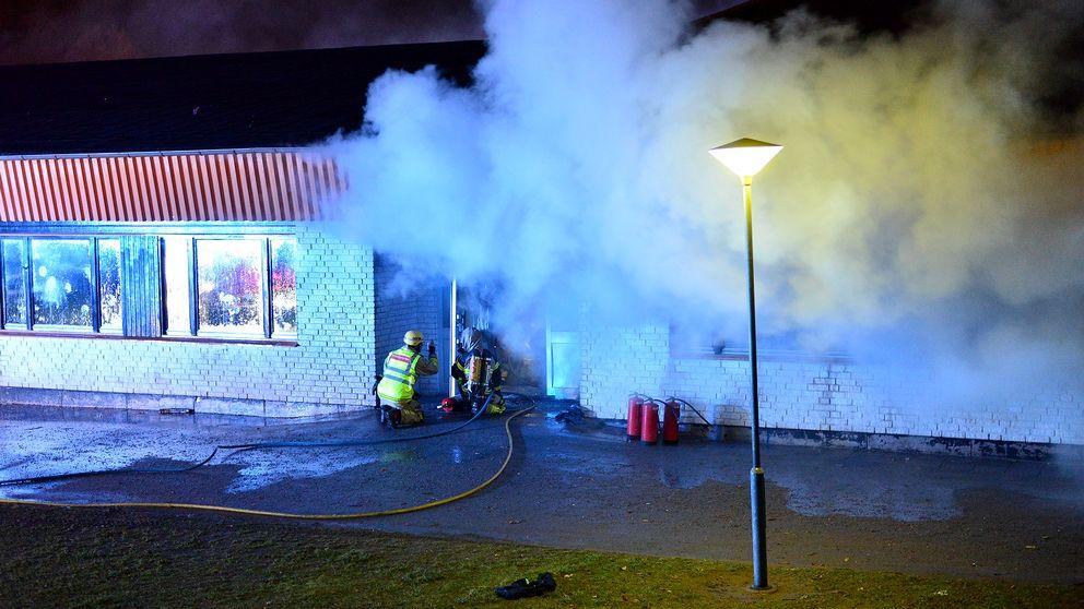 En brand bröt på torsdagkvällen ut i Tamburinens skola i Norrköping