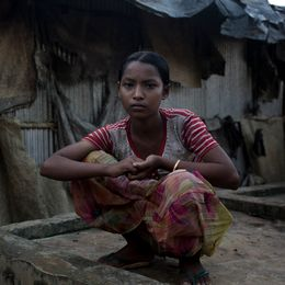 Toslima fick fly från Burma, henne familj avrättades av militären.