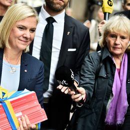 Magdalena Andersson (S), finansminister går budgetpromenad hösten 2017.