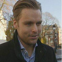 Robin Forslund och Karl Sandström har olika åsikter om att cykla i vinter.