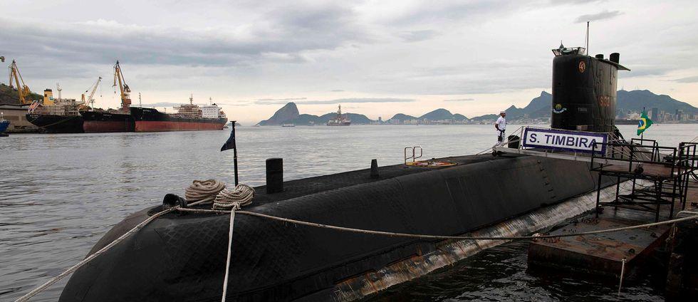 En brasiliansk ubåt som deltar i sökandet efter den argentinska farkosten.