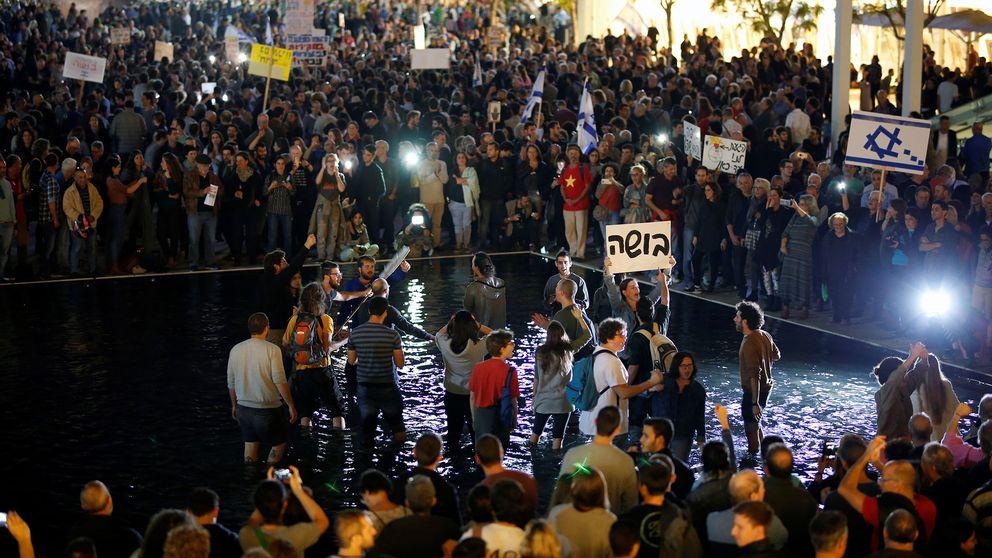 Demonstranter mot Netanyahu i Tel Aviv på lördagen