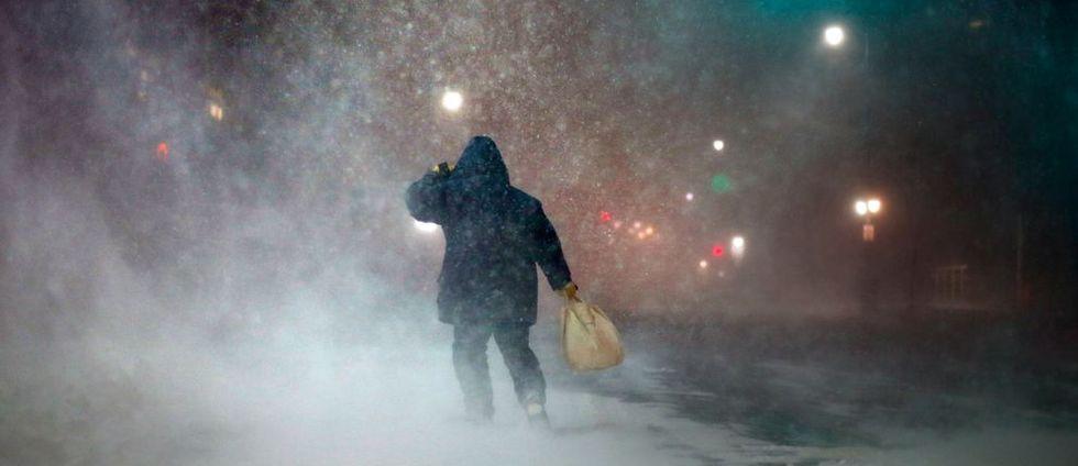 SMHI varnar för snö och halka
