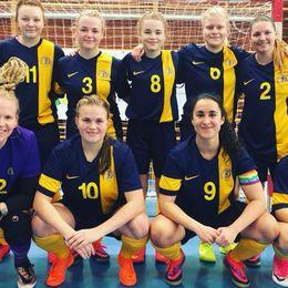 Sverige vann den första matchen i EM-kvalet i futsal för döva, som just nu spelas i Madrid.