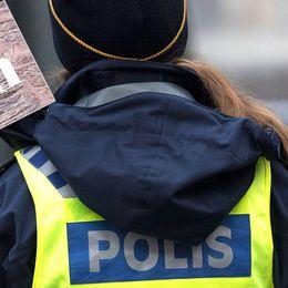En kvinnlig polis