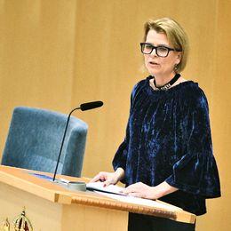 Jämställdhetsminister Åsa Regnér (S) under måndagens riksdagsdebatt angående Metoo-uppropen.