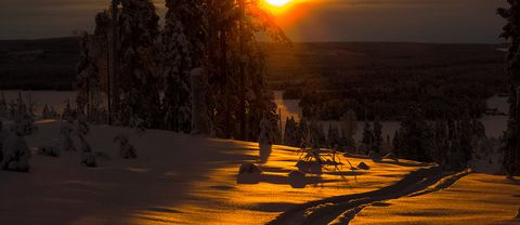 Mulet i dag med, MEN solen tittade fram i 15 min just innan den gick ner. Mycket snö har vi ca 80 cm Heden, Norsjö i Västerbotten