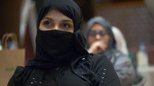 Kvinnor på möte för blivande taxichaufförer.