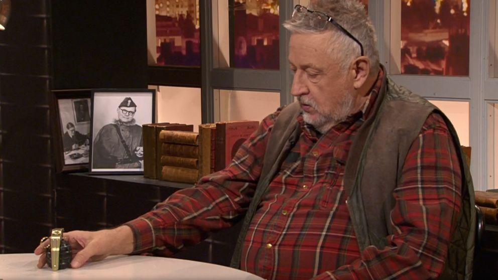 Leif GW Persson i Veckans brott med en handgranat.