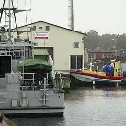 Fårösund försvarsmakten ubåtshamn marinvarvet gotland