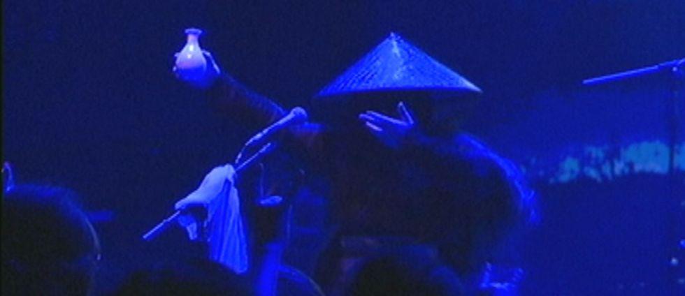 Zuriaake har smält samman den västerländska black metal-formen med traditionell kinesisk kultur och skapat något riktigt unikt, säger bandets manager Deng.