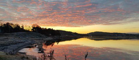 Himmel & hav i rosa toner i Kåkenäs, Stenungsund, 19/1