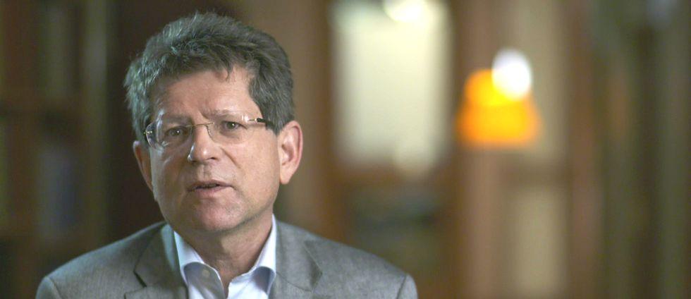 Ekonomiprofessorn Magnus Henrekson vill se ett paradigmskifte med fokus på tydliga kunskapsmål.