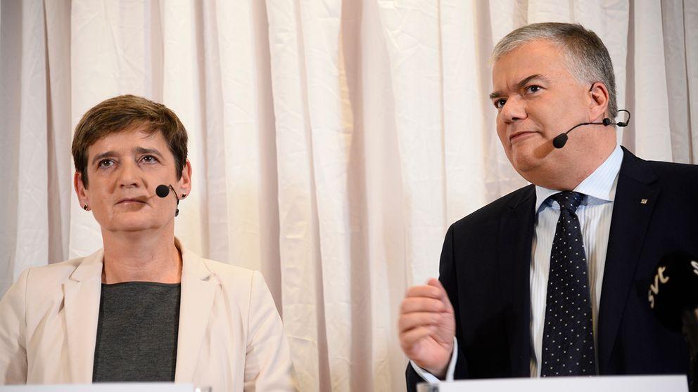 Ingrid Cherfils ställföreträdande generaldirektör och Jonas Bjelfvenstam generaldirektör på Transportstyrelsen vid en presskonferens på tisdagen.