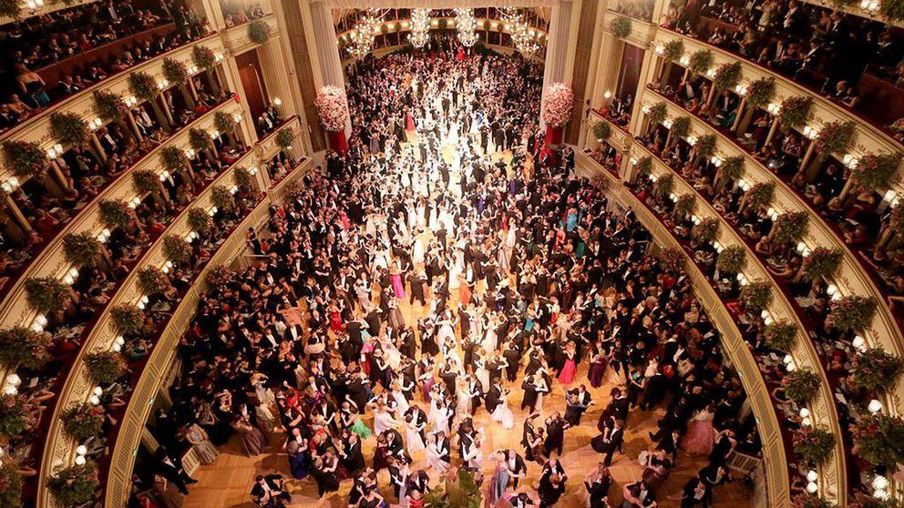 Den traditionella Operabalen i Wien möts ofta av protester. Nu demonstreras mot Akademikerbalen som organiseras av Frihetspartiet, FPÖ.