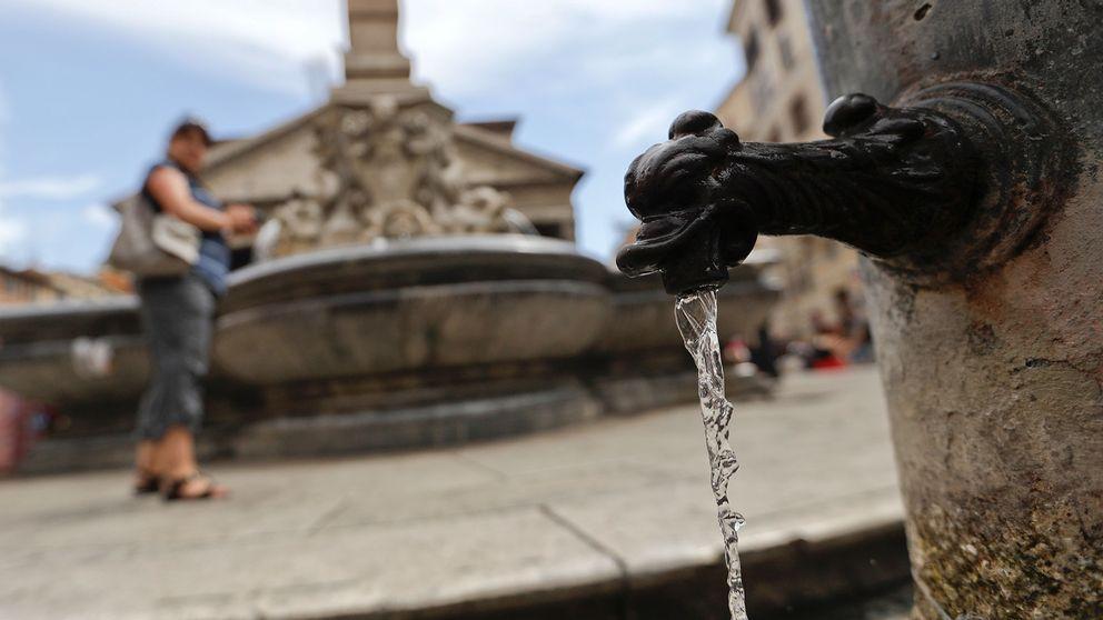 Fontän med dricksvatten i Rom.