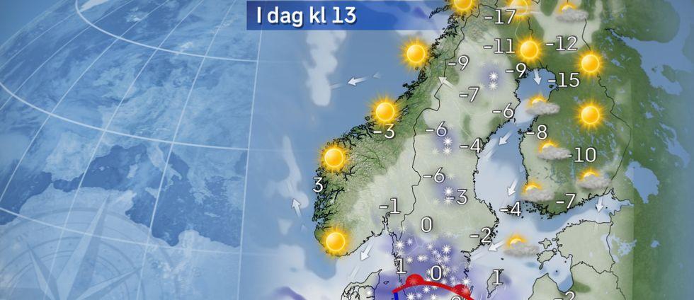 I dag: Under måndagen snöar det i Götaland, och vid kusten kan det även bli inslag av regn. Det handlar mest om lätt snöfall, men i ett stråk genom mellersta Götaland kan det bli lite kraftigare, eller kanske framförallt att det hänger i hela dagen. I norr delvis klart och därmed kan stora lokala temperaturskillnader förekomma.