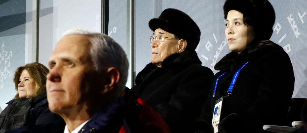USA:s vicepresident Mike Pence framför Nordkoreas ceremonielle statschef Kim Yong-nam och Kim Yo-jong, syster till Nordkoreas diktator Kim Jong-un, under OS-invigningen i Pyeongchang.