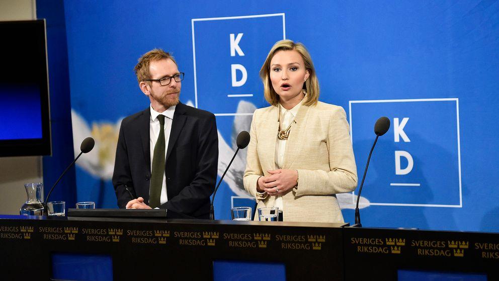 Farligt långt ifrån riksdagsspärren i senaste opinionsmätningen – Kristdemokraternas ekonomiskpolitiske talesperson Jakob Forssmed och partiledare Ebba Busch Thor