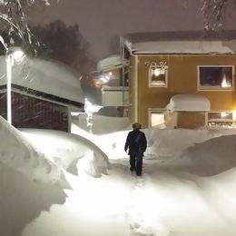 Snö i massor i stadsdelen Granloholm i Sundsvall i Medelpad den 1 februari.