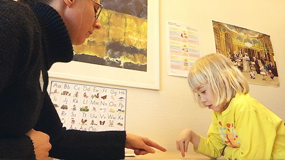 Stina Johansson är kommunlogoped i Karlstad