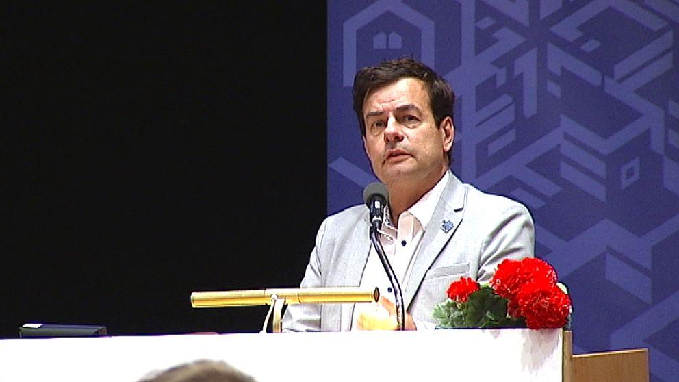 Pär Jönsson i talarstolen