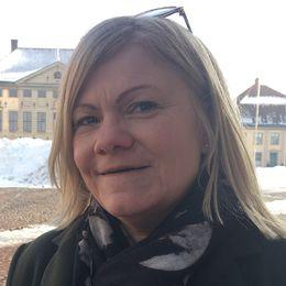 Vänsterpartisten Liselotte Ross deltar i festivalens politisk debatt med fokus på jämställdhet.