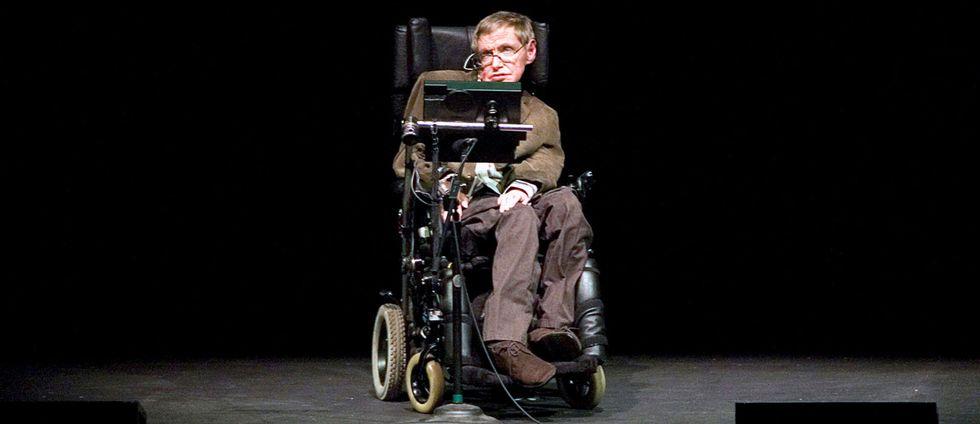 Steven Hawking under en föreläsning på Berkeley universitet i Kalifornien år 2007.
