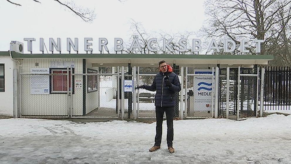 Tinnerbäcksbadet i Linköping och reporter Fredrik Ahl