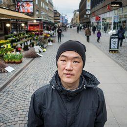 Henrik Erngren Othén i Gävle hittade sin biologiska syster 39 år gammal.