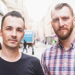 """I sin ny bok """"Så blev vi alla rasister"""" kritiserar Adam Cwejman och Ivar Arpi den moderna diskussionen om rasism och identitet."""