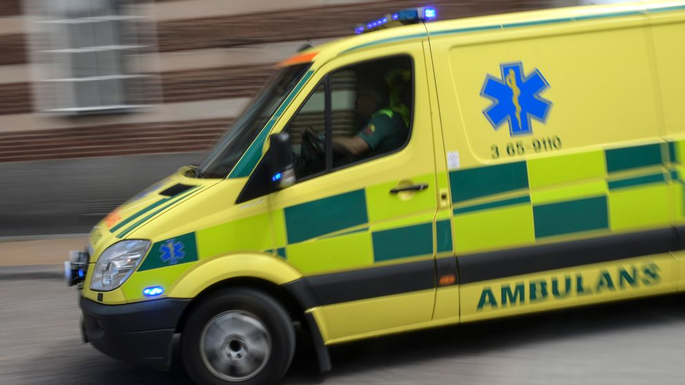 Ambulansen ser ut som en vanlig ambulans, men i stället förbårar finnsdet säten. Den ska bemannas med sjuksköterskor med utbildning i psykiatri.