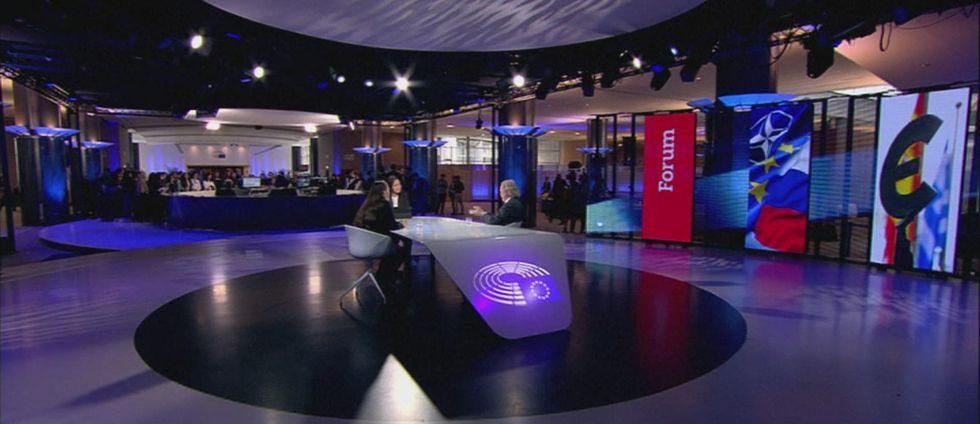 Håkan Malmqvist, ambassadör vid Sveriges delegation vid Nato och Teresa Küchler, SvD Bryssel intervjuas.