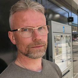 En demonstration till minnne av folkmordet/Tomas Karlsson, ledarskribent på Länstidningen.