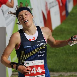 Tove Allexandersson springer i mål.