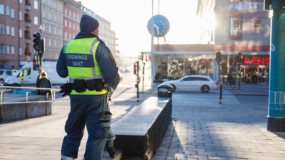 Ordningsvakt vid Ringen på Södermalm.