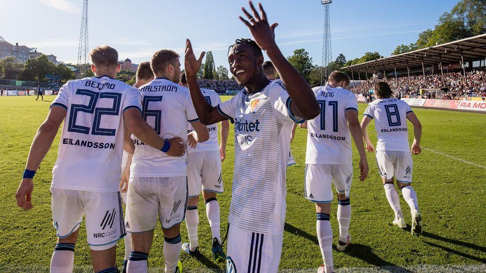 Tino Kadewere gjorde fyra mål mot Sirius.