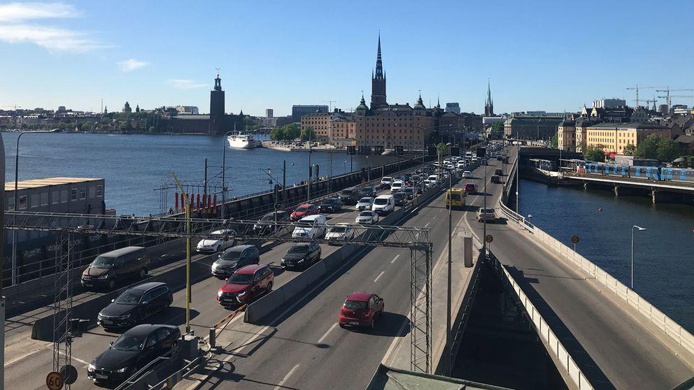 Knivman stoppade trafiken i stockholm