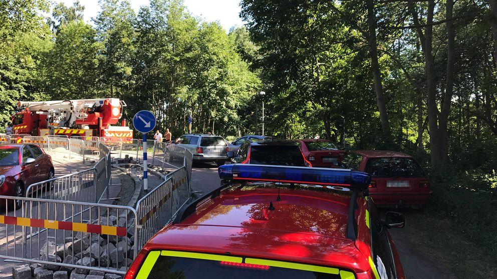 Flera bilar var felparkerade vid campingen när räddningsfordon skulle fram till Borstahusens camping.