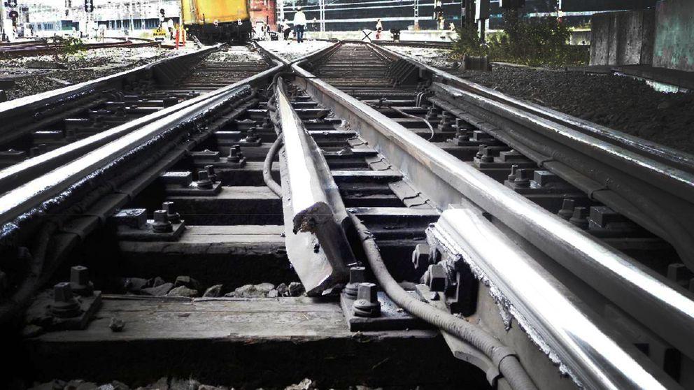 Bild från 2014 då ett godståg spårade ur på Stockholms central, orsaken var en sliten järnvägsväxel.