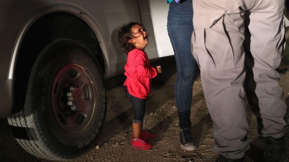 Bilden på den gråtande flickan, som har blivit en symbol för USA:s hårt kritiserade migrationspolitik.